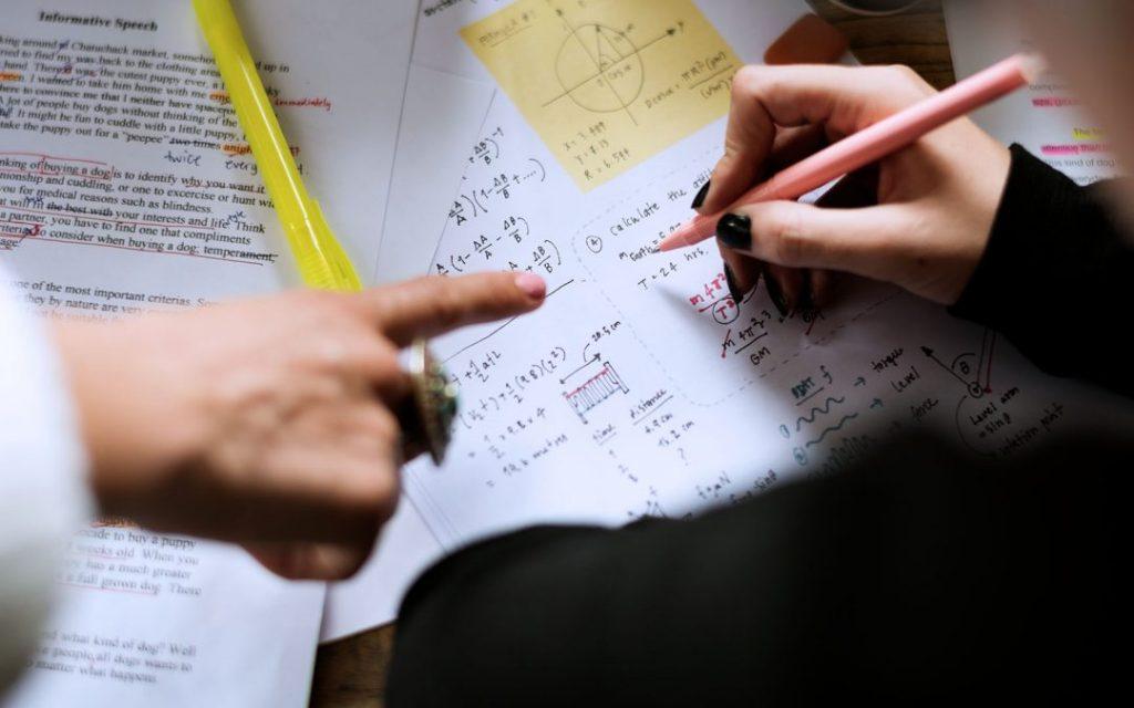 Học sinh học gia sư tại thành phố Thuận An